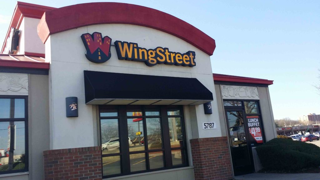 Awe Inspiring Pizza Hut Wing Stop Sign View From An Angle Interior Design Ideas Grebswwsoteloinfo